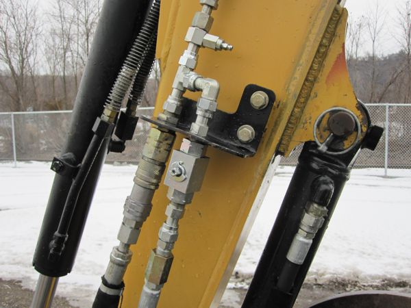Cat Excavator Aux Hydraulic Connections Kudas Industries